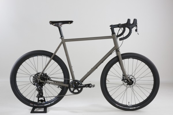 Gravel Bike, 650-B Stahlrahmen SRAM Apex 1x11